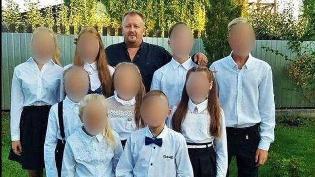 Тато і мама померли від Covid, залишилось 11 дітей: трагедія української родини