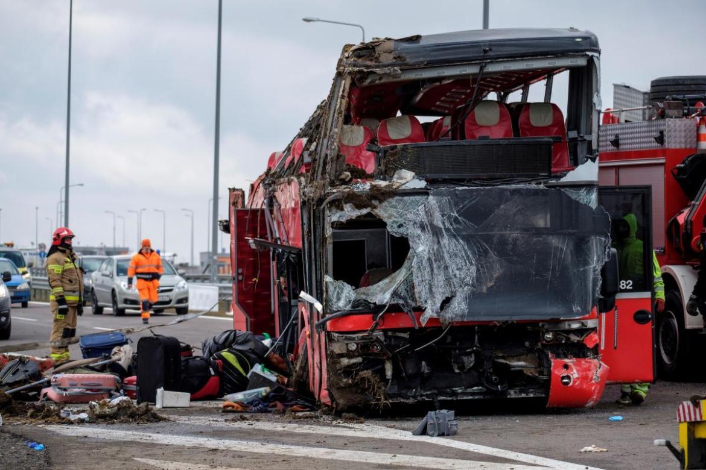 Не пам'ятає деталей ДТП: водію автобуса, що потрапив в аварію в Польщі, загрожує 8 років тюрми