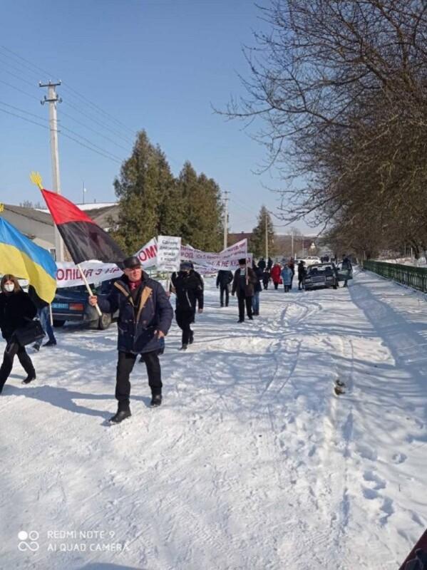 Революція на Гусятинщині: мешканці села вимагають відставки старости