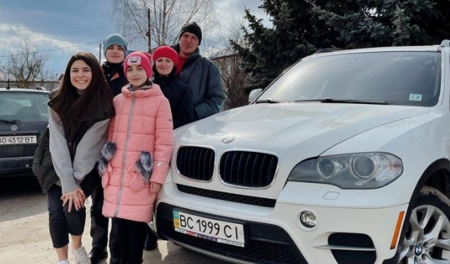 12-річна дівчинка з Тернопільщини виграла іномарку BMW X5 у розіграші в інстаграмі (ФОТО)