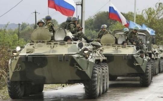 Росія стягує війська до кордону з Україною, – Хомчак