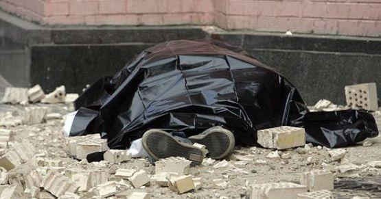 На Тернопільщині бетонна стіна упала на чоловіка: потерпілий помер