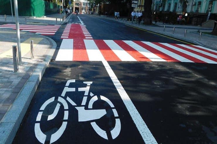 Тернополяни просять облаштувати місто велодоріжками: буде комфортніше і швидше