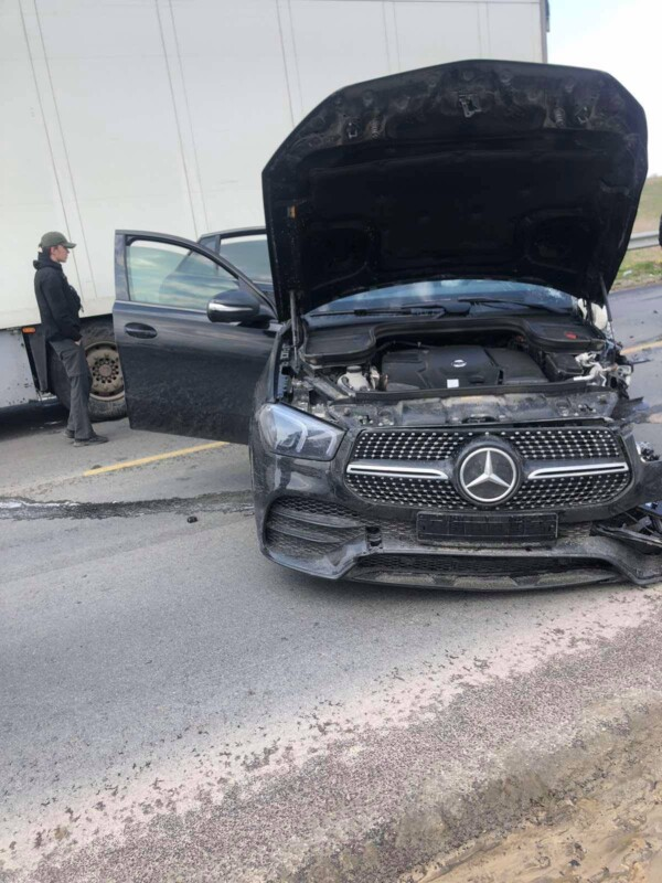 Аварія біля Тернополя: автомобілі розтрощені, рух заблокований (ФОТО, ВІДЕО)