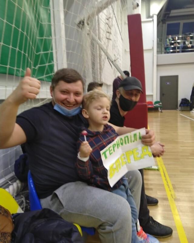 БК Тернопіль організовує благодійний марафон тренувань зі своїм головним тренером, щоб допомогти маленькому уболівальнику