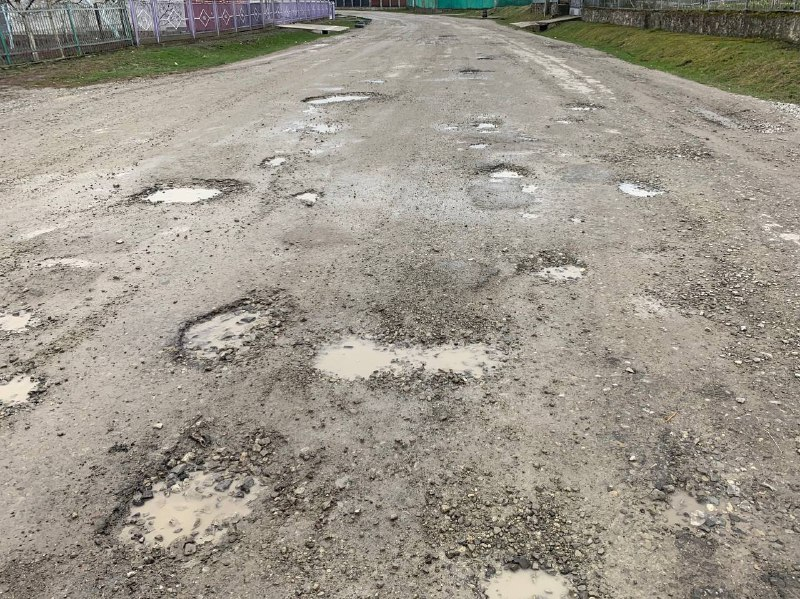 У селі Чистилів теж відремонтують дорогу (Відео)