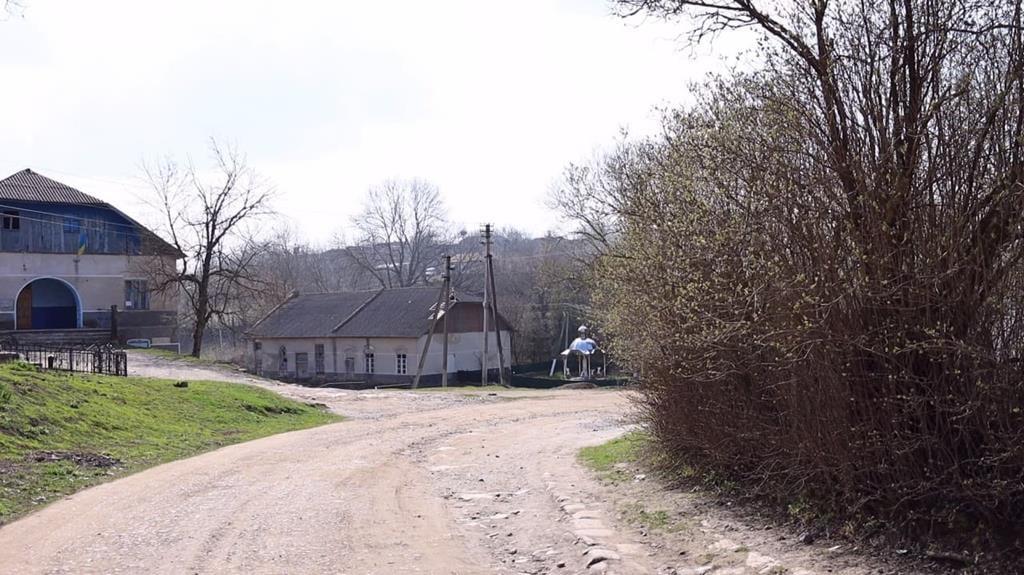 У селі Дуліби відремонтують дорогу (фото, відео)
