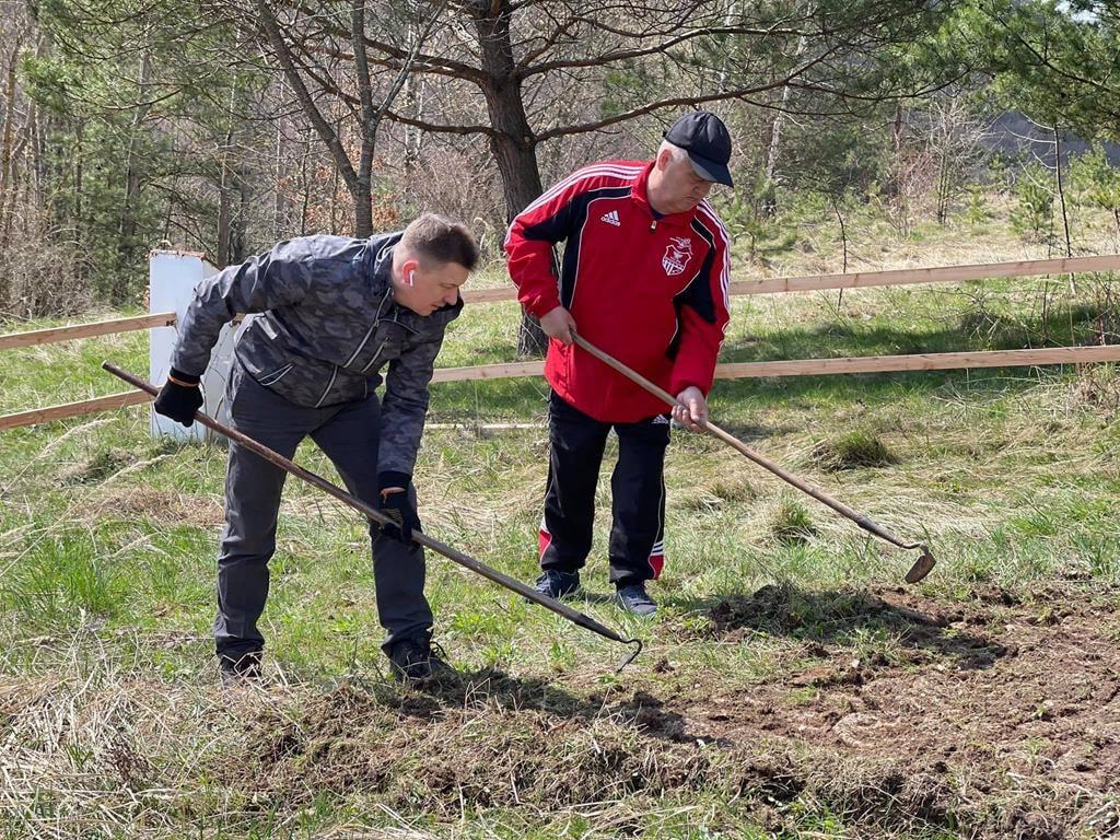 Команда Чайківського організувала толоку в історичному місці на Бережанщині(Відео)