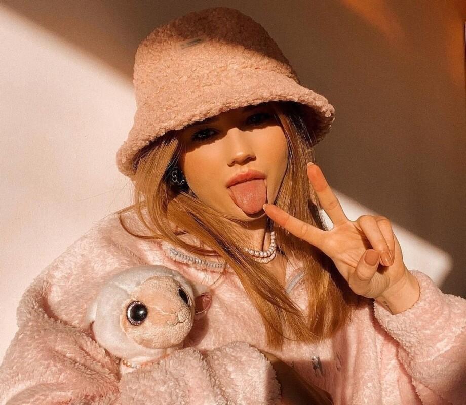 """Українську актрису, якій """"краще здохнути в Росії, ніж в Україні"""", переїхала до Москви та назвала патріотів """"тупими"""""""
