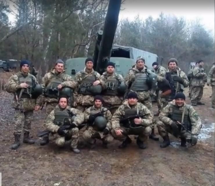 """""""Три сини були на війні, двоє – не вернулися"""": українці попрощались із вбитим воїном Олексієм"""