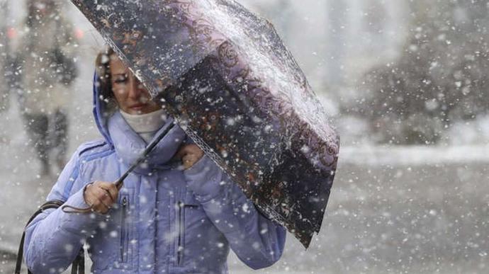 """""""Похолодання, дощ та мокрий сніг"""": яку погоду цього тижня принесуть в Україну два циклони"""