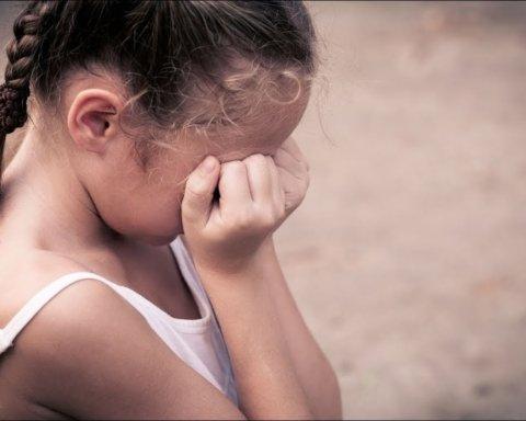 На Тернопільщині судили чоловіка, який розбещував дівчинку