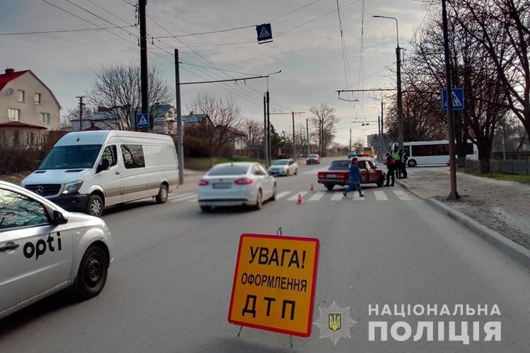 У Тернополі водій на переході збив жінку (ФОТО)