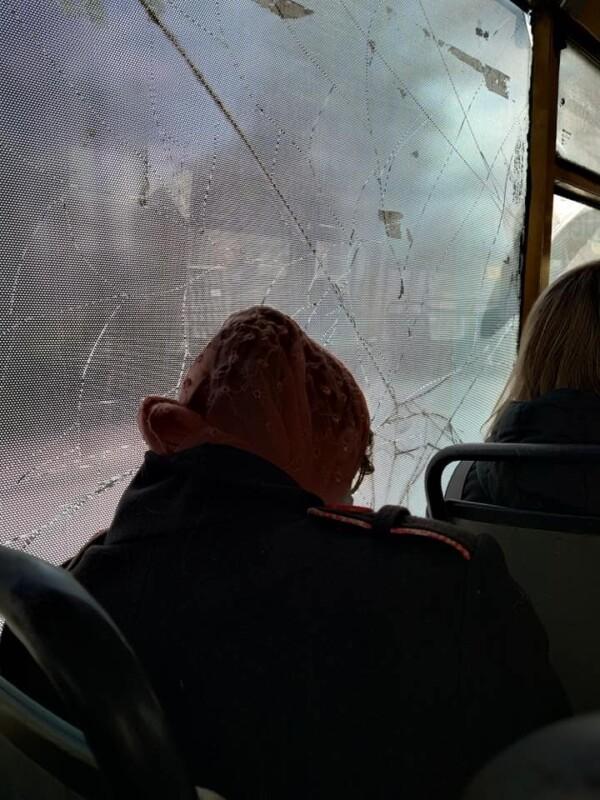 У Тернополі маршрутка із тріснутим склом возить людей (ФОТОФАКТ)