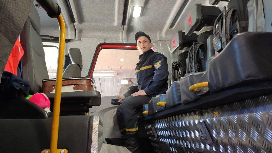 Відтискається 70 разів із балоном кисню: у Тернополі працює рятувальник- Чемпіон України (ВІДЕО)