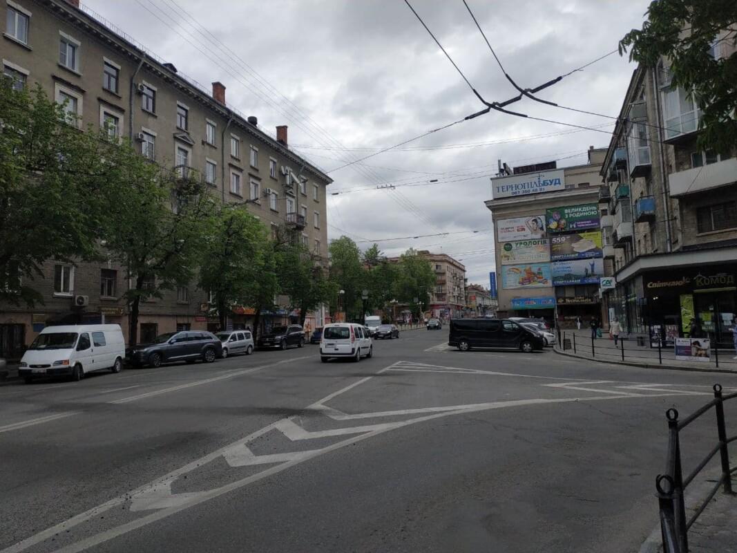 У Тернополі просять заборонити проїзд через центр, бо утворюються затори (ФОТО)