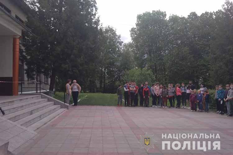 """Замінування на Тернопільщині: """"терористом"""" виявився школяр (ФОТО)"""