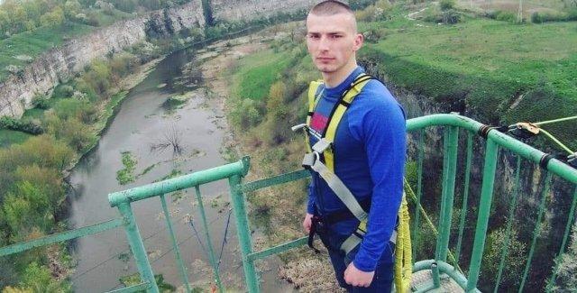 Показали відео переслідування Андрія Пекельного з Тернопільщини, якого підзрюють у вбивстві (ВІДЕО)