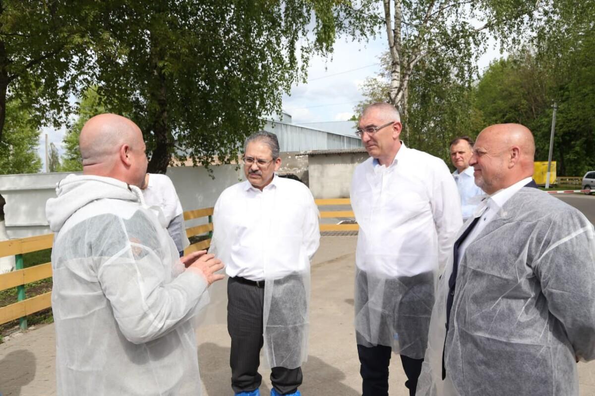 Посол Узбекистану відвідав товарно-молочну ферму в Козівській громаді (ФОТО, ВІДЕО)