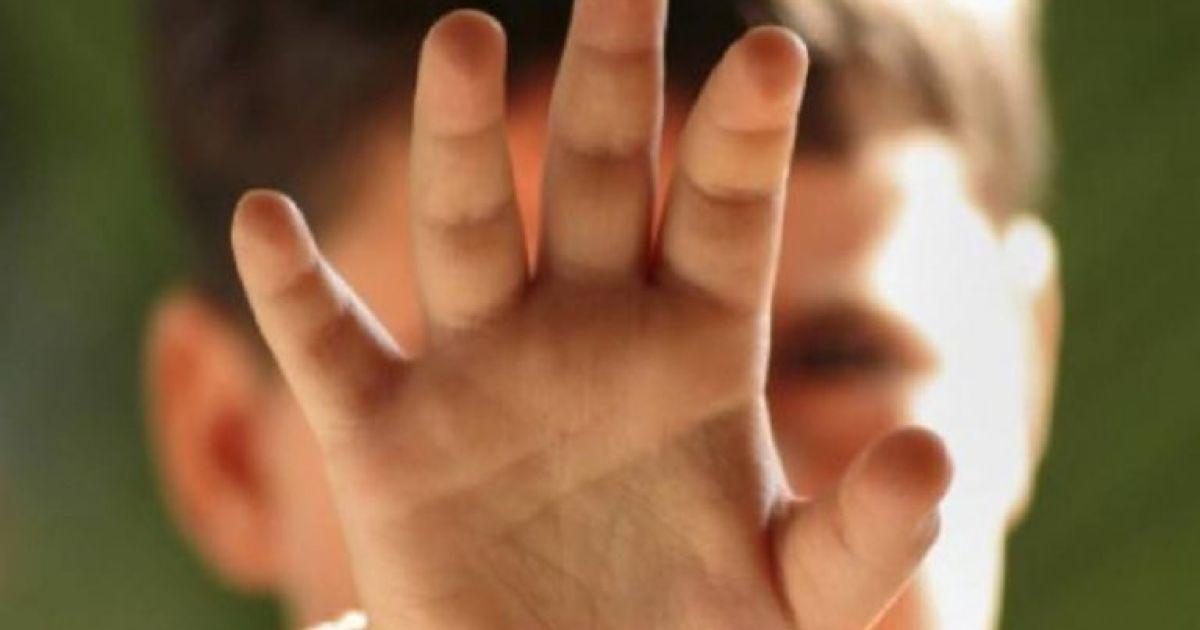 У Тернополі мама скейтом вдарила дитину: викликали швидку