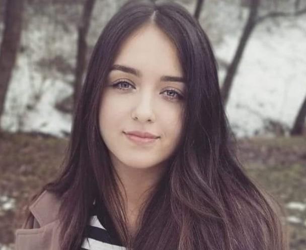 """""""Їй би ще жити і жити…"""": на Тернопільщині від важкої недуги померла 18-річна дівчина (ФОТО)"""