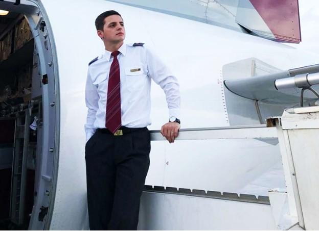 Як це – працювати бортпровідником: інтерв'ю тернополянина, стюарда Катарських авіаліній