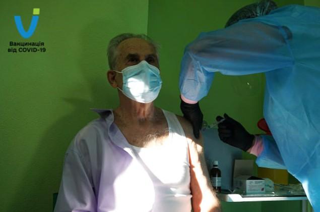 81-річний головний інфекціоніст України з Тернополя розповів, чому сам вакцинувався (ФОТО)