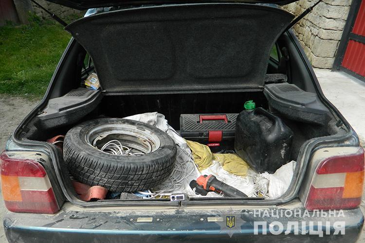 """""""Виховний процес"""" на Тернопільщині: чоловіка побили, возили у багажнику і хотіли втопити"""