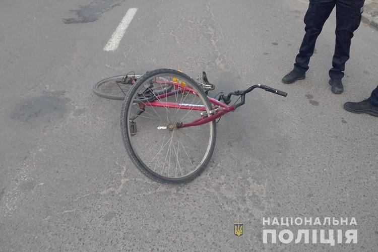 У Тернополі велосипедист отримав важкі травми через відчинені двері (ФОТО)