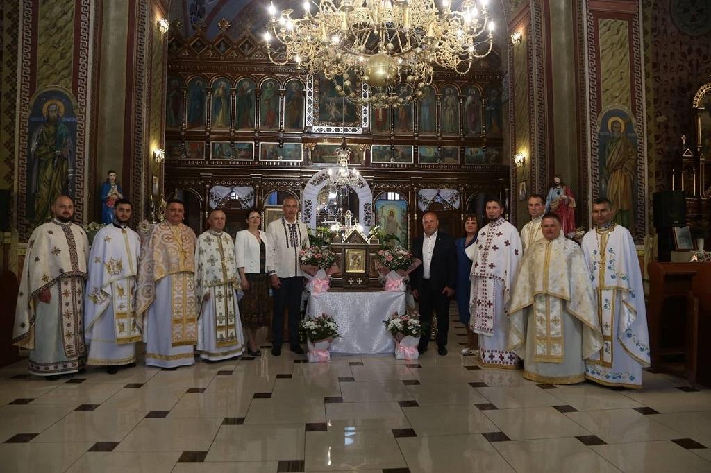 У церкві на Тернопільщині з'явилась святиня, яка зцілила багатьох людей (ФОТО, ВІДЕО)