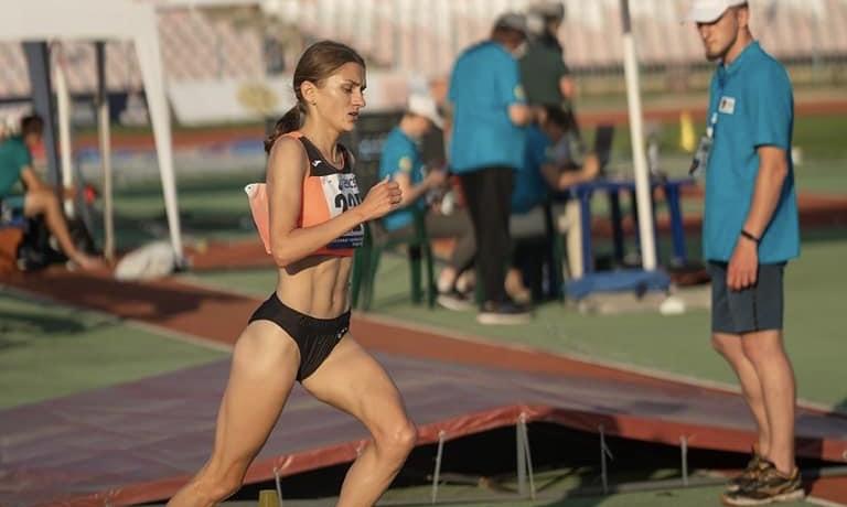 Тернопільська бігунка Наталя Стребкова здобула срібну нагороду на чемпіонаті балканських федерацій