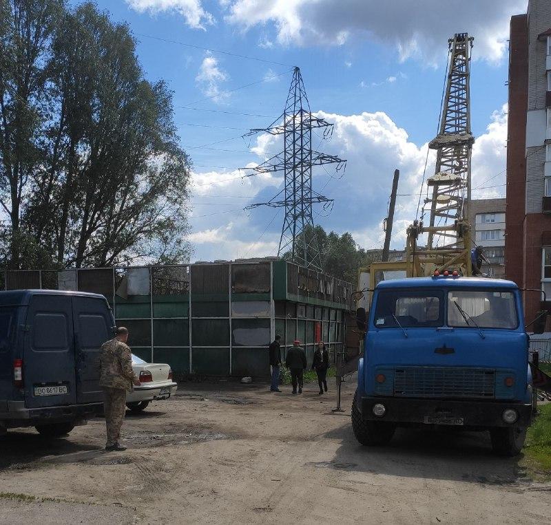 На будівництво палацу спорту в Тернополі виділять понад 90 мільйонів. Там уже розбирають… будку склотари