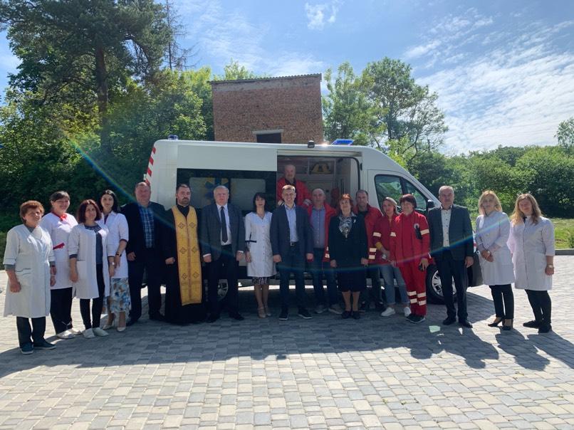 Сучасний автомобіль швидкої допомоги отримала Великоберезовицька громада (ВІДЕО)