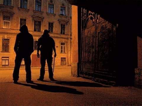 У Тернополі на вулиці побили чоловіка: викликали швидку та поліцію