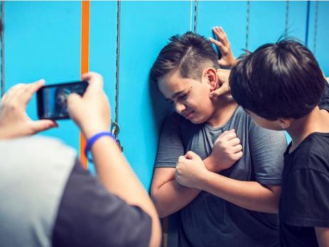 Засунув в рот недопалок: на Тернопільщині підліток знущався із 11-річного хлопчика