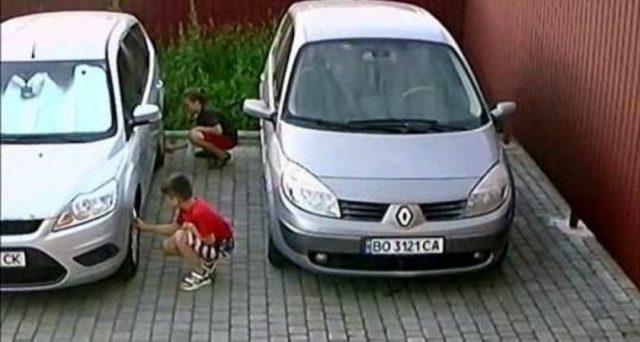 У Тернополі серед дітей поширюється популярний ТікТок-челендж: власникам автівок слід бути обережними (ВІДЕО)