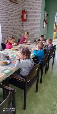 День захисту дітей з «АТБ»: найбільша торговельна мережа країни дарує найменшим українцям надію та допомагає повернути здоров'я