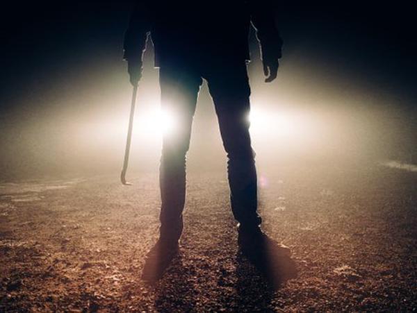 Били по голові ломом та металевим відром: у Тернополі рецидивісти заради наживи ледь не вбили чоловіка