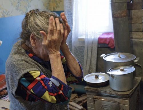 Дожилися: на Тернопільщині судять бабусю за дві пачки гречки і пляшку олії