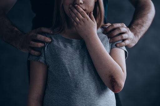 На Львівщині пенсіонер розбещував дітей: що робив чоловік з малолітніми, не вкладається у голові