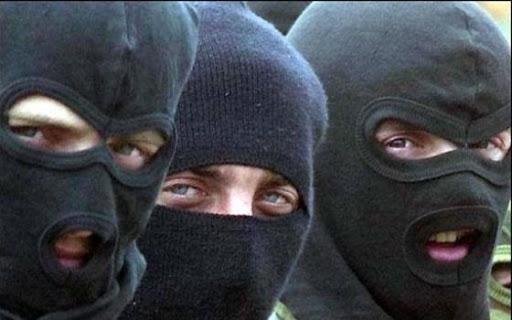 Троє львівських злодіїв обікрали два магазини у Мельниці-Подільській: спіймали біля Чорткова