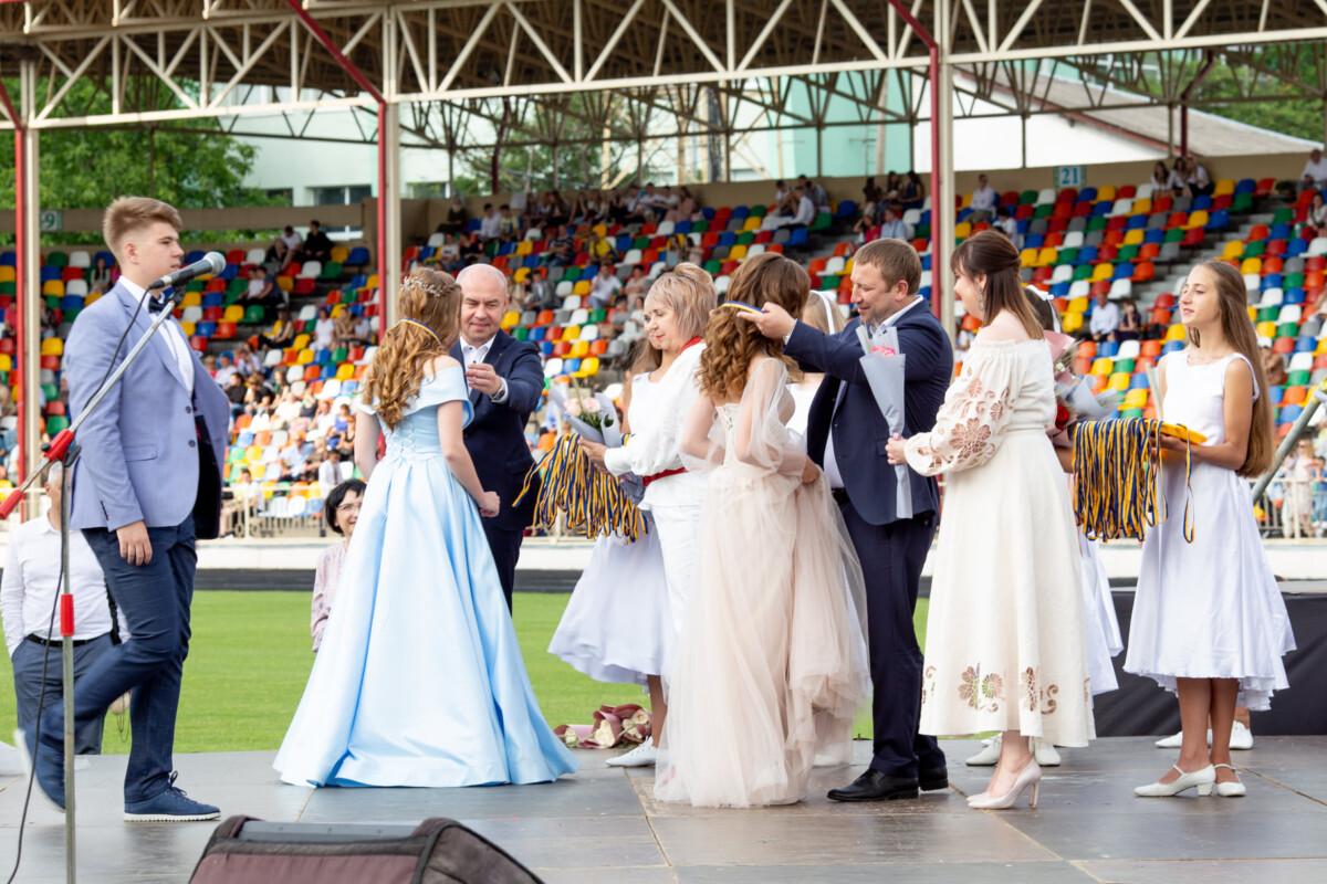 Як у Тернополі минув Випускний-2021 (вражаючі фото та відео)