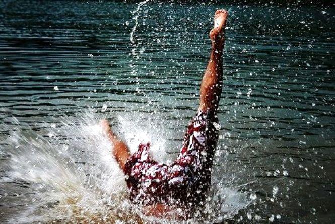 У Тернополі на ставі чоловік травмував хребет, коли пірнав у воду