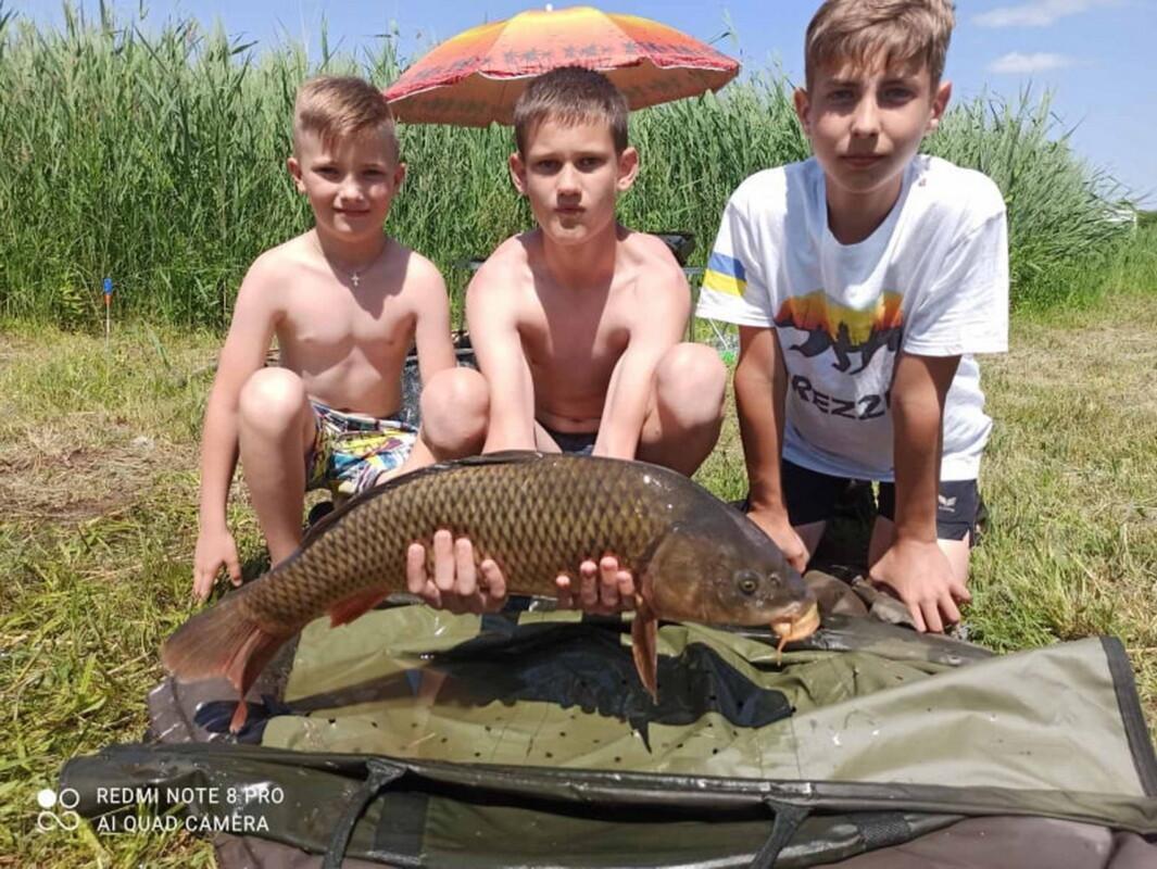 Фестиваль сімейної риболовлі відбувся у Шумську: спіймали понад 800 кг риби (ФОТО)