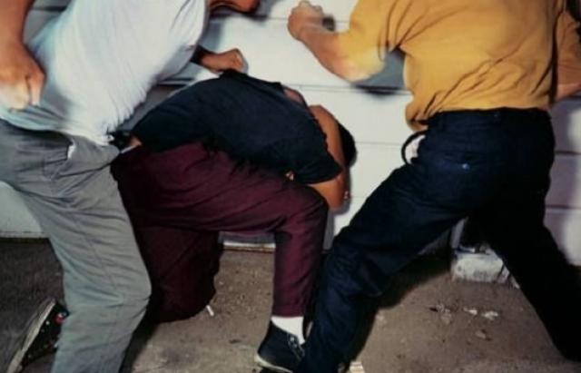 На Бучаччині дорослі брати побили школяра, бо він не пустив їх на чуже обійстя