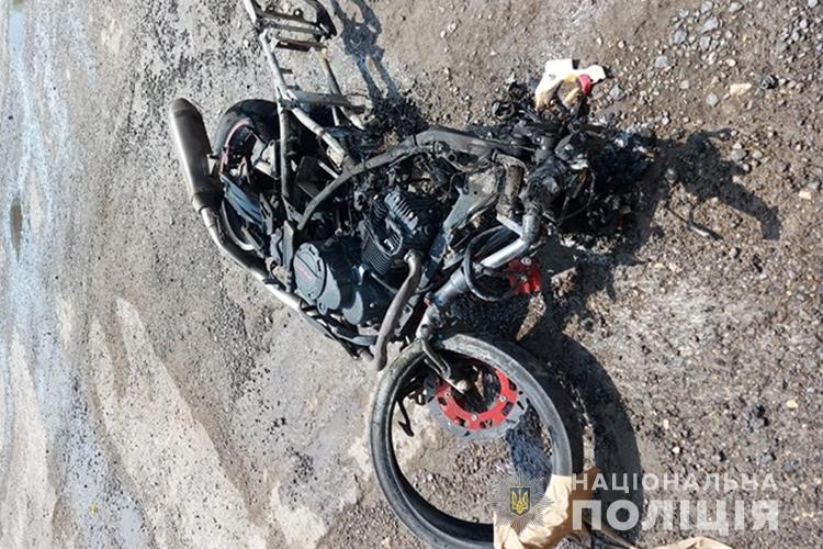 Смертельна аварія на Тернопільщині: мотоцикл зіткнувся з бусом та вантажівкою (ФОТО)
