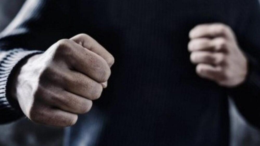 Вибив і надколов юнакові 18 зубів: на Тернопільщині на автозаправці п'яний чоловік наробив біди