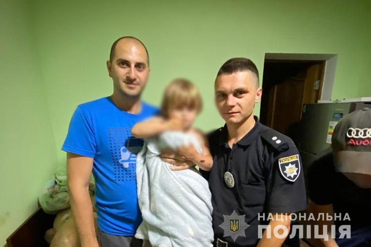Вийшла з подвір'я і не повернулася: на Тернопільщині розшукували 2-річну дівчинку (ФОТО)