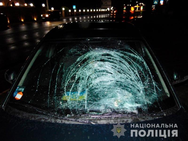 """""""Донечко, живи!"""": 17-річну дівчину авто збило прямо під час випускного вечора на очах батька (ФОТО)"""