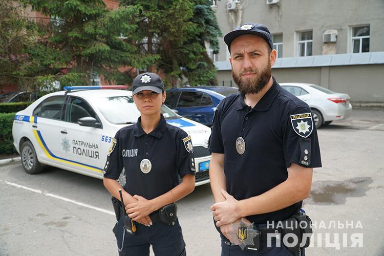 Грабіж у Тернополі: чоловік в аптеці схопив жінку за шию та почав душити (ФОТО)